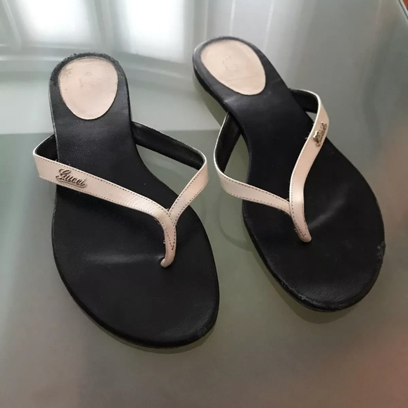 553f96fab Gucci Shoes - White Gucci Leather Thong Flip Flops w  Logo